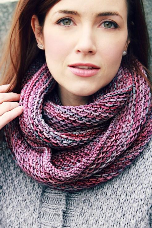 Honey Cowl: knittedbliss.com