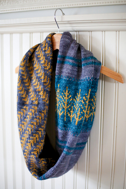 Modification Monday: Modified Pine Bough Cowl   knittedbliss.com