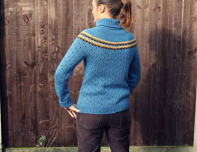Modification Monday: Forget Me Not Jumper | knittedbliss.com