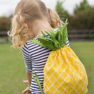 Pin Ups and Link Love: Pineapple Bag DIY  | knittedbliss.com