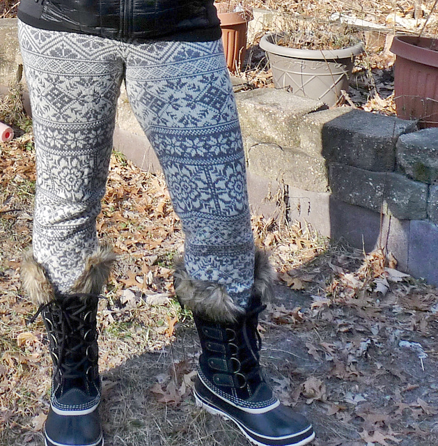 Modification Monday: Crazed Scandinavian Leggings   knittedbliss.com