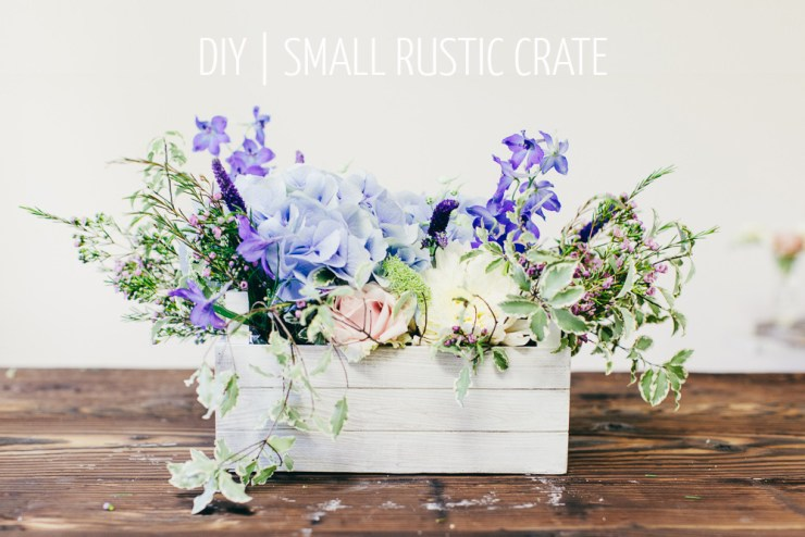 Pin Ups and Link Love: Rustic Floral Display | knittedbliss.com