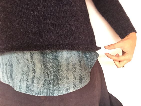 Pin Ups and Link Love: Keep Your Sweater Hem from Flipping Up | knittedbliss.com
