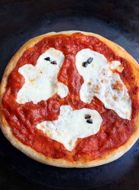 Modification Monday: Ghost Pizza | knittedbliss.com