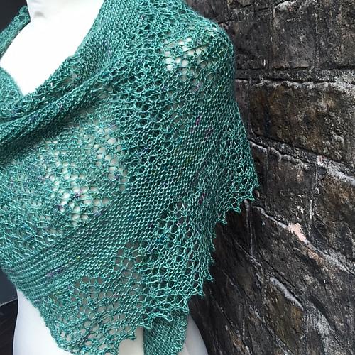 Modification Monday: Lorna's Long Distance Hug | knittedbliss.com