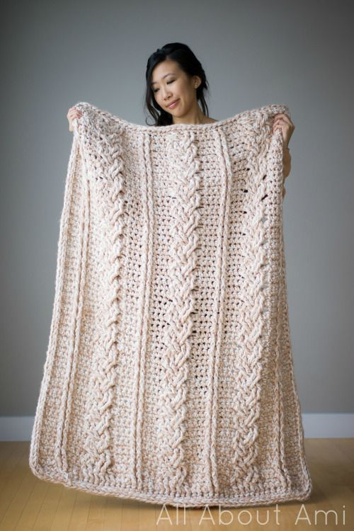 Pin Ups and Link Love: Crochet Blanket | knittedbliss.com