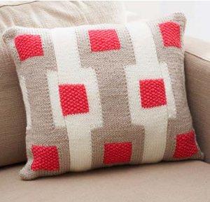 bernat gridwork pillow