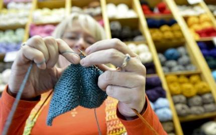 spped knitter canada