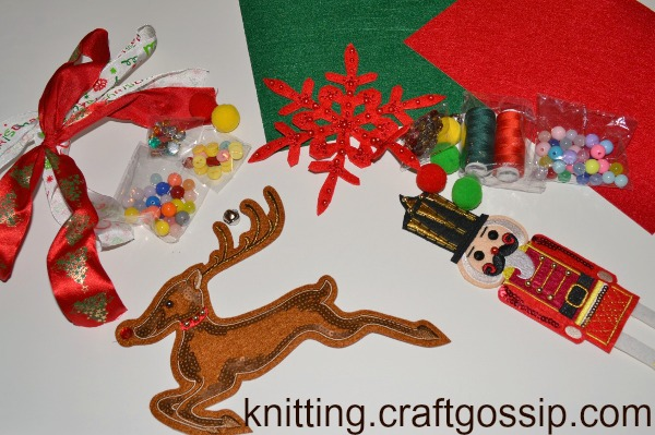 Check out the Mr. Micknit holiday patch kit