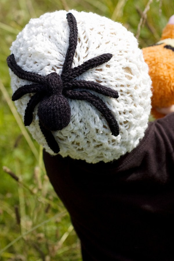 Spider Knitting Pattern : 10 Knitted Halloween Hats   Knitting