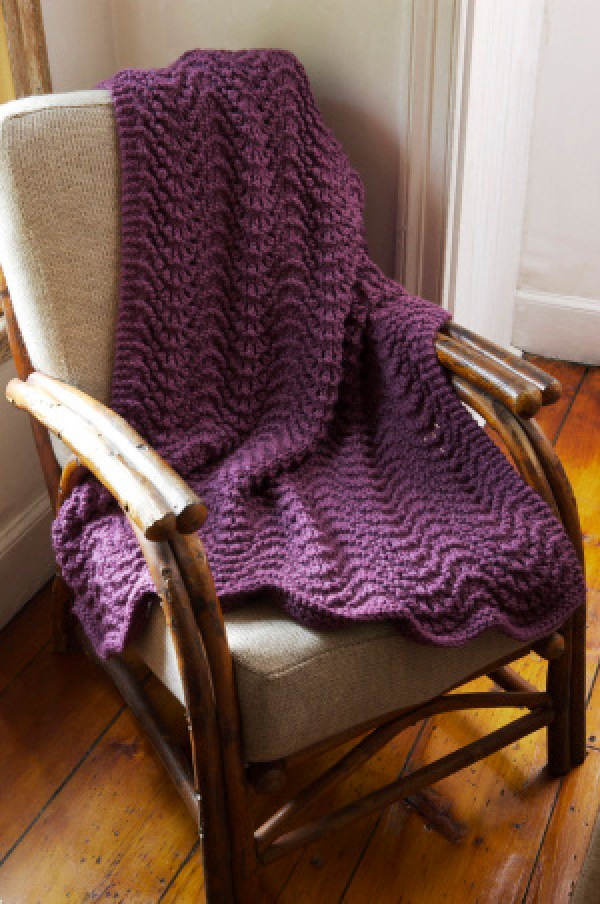 Knitting Pattern For Ripple Afghan : 6 Knitted Throw Patterns   Knitting