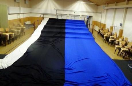 Man Knits World's Largest Flag to Celebrate Estonia's Birthday