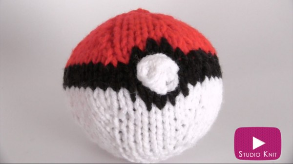 Knit or crochet a Pokeball