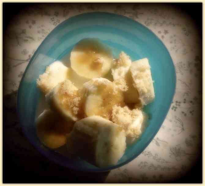 4 Quick Gluten Free Banana Breakfast Ideas from knowgluten.me - Banana Coconut Cereal with Filters and Drop Shadow Frame