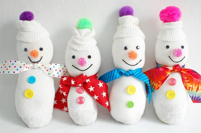 sock snowmen from the purple pug