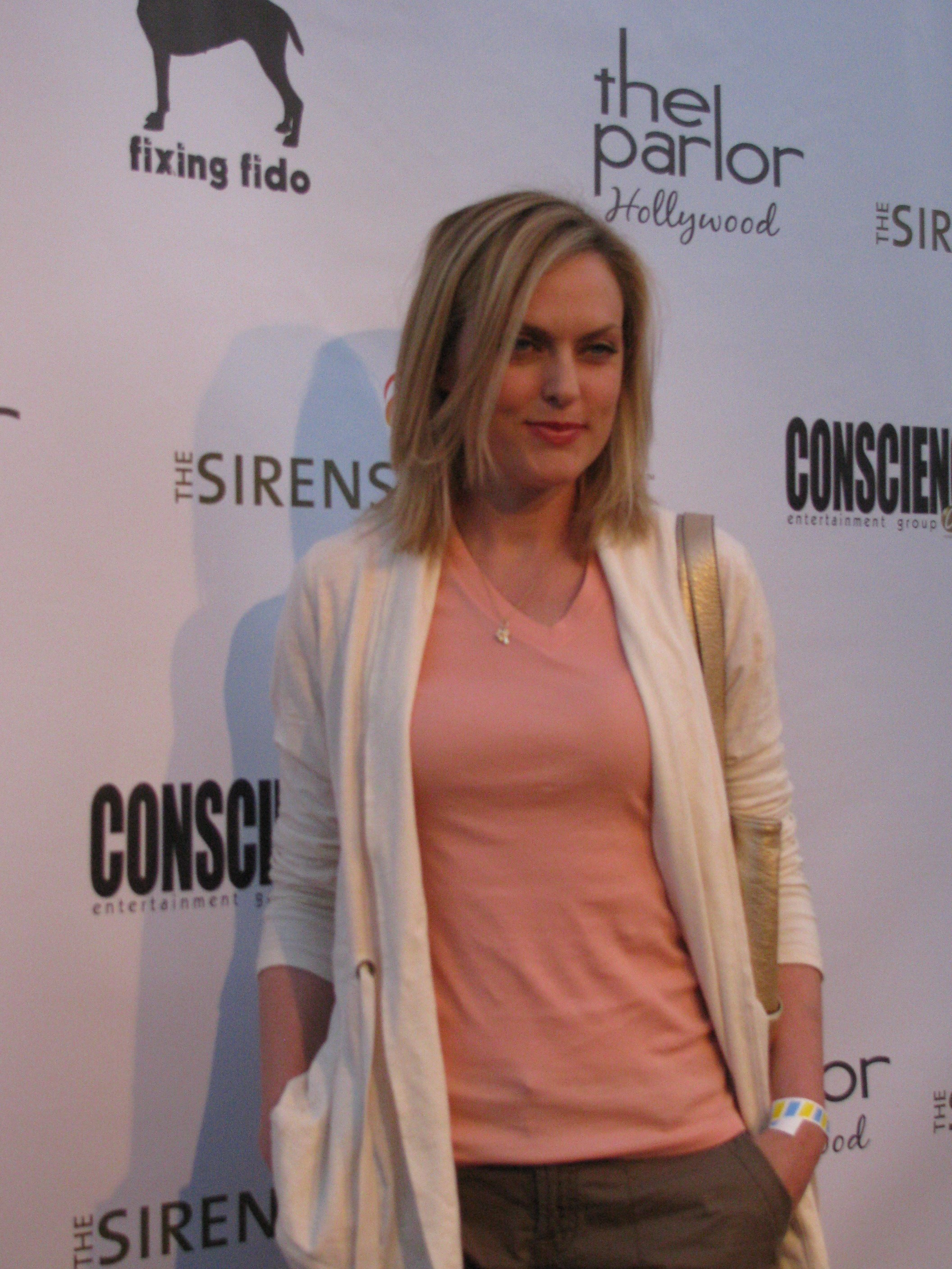 Scary Little Girl Wallpaper Elaine Hendrix Known People Famous People News And