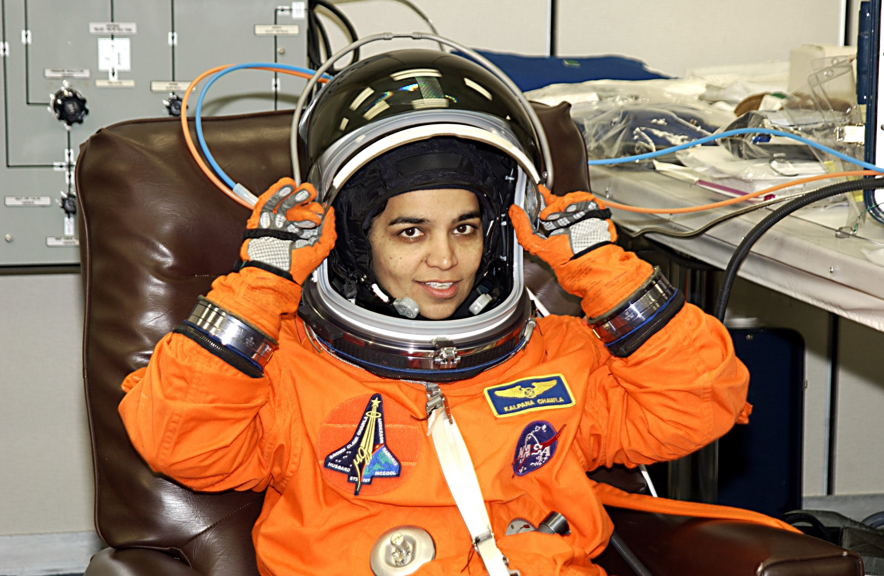 Suits Hd Wallpaper Quotes Kalpana Chawla Known People Famous People News And