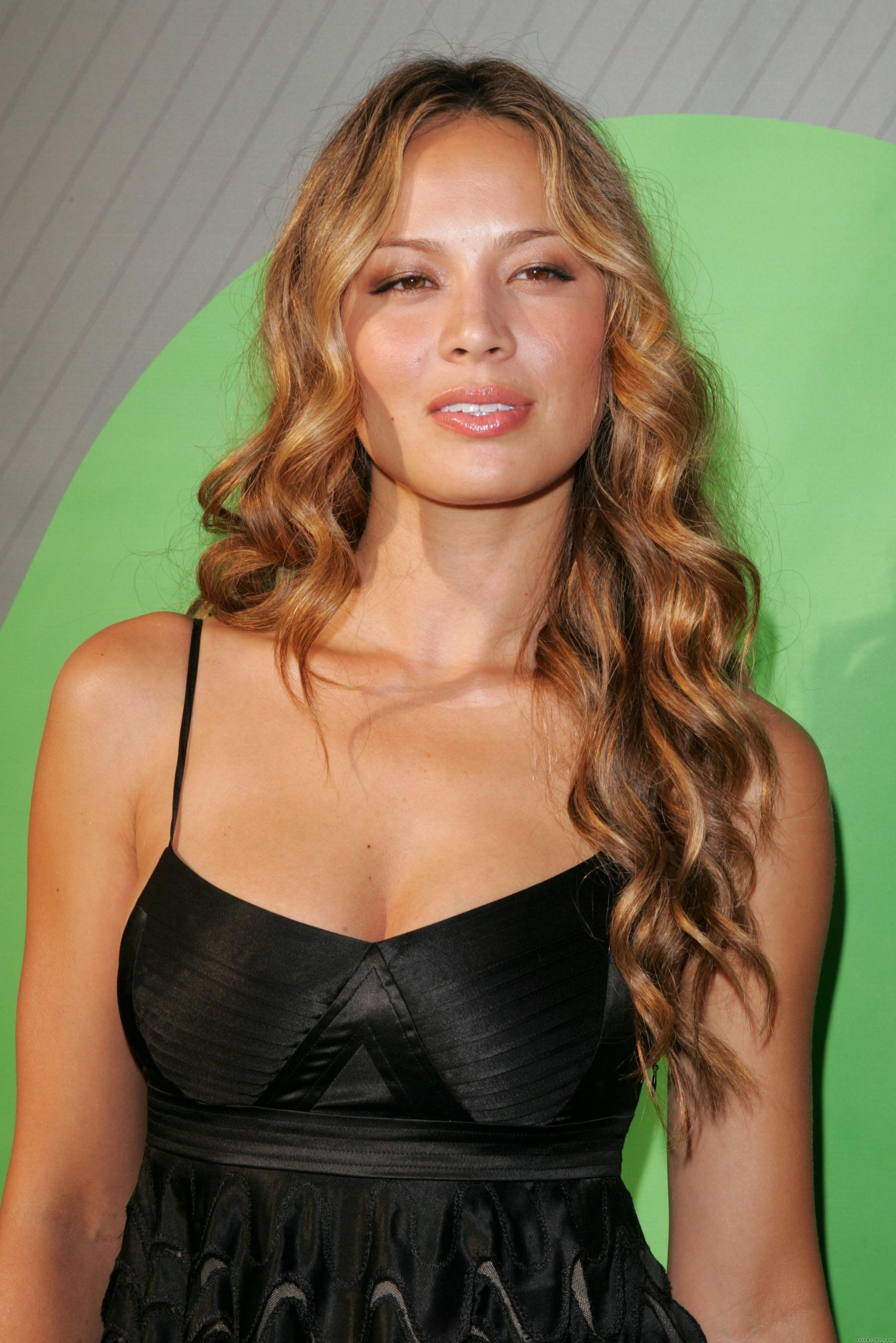 Blood Falling Wallpaper Moon Bloodgood Known People Famous People News And