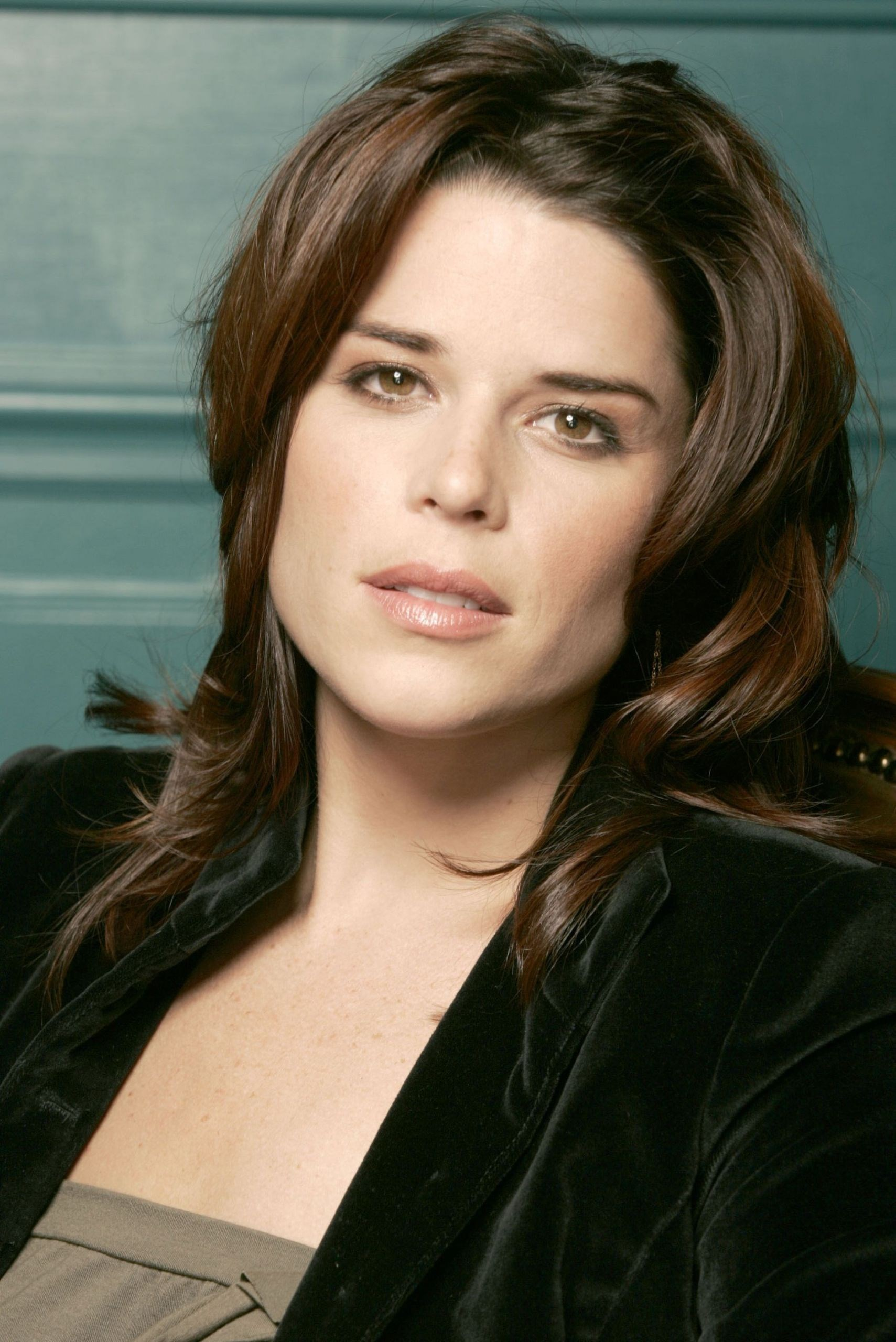 Fall Wallpaper 2017 Neve Campbell Known People Famous People News And