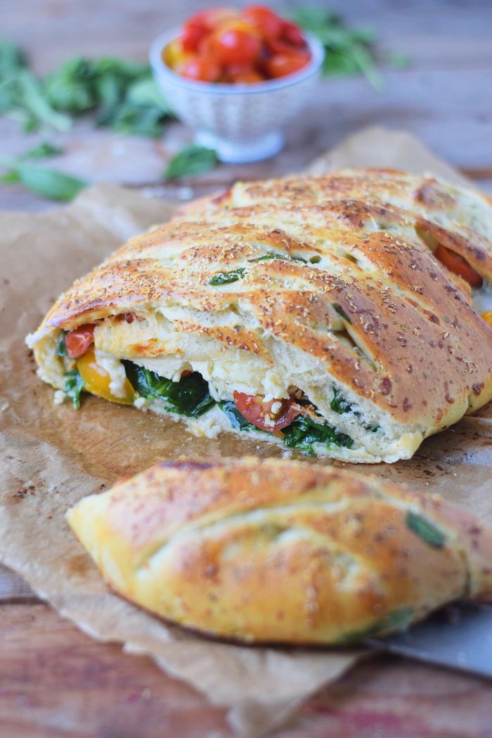 Stromboli mit Spinat und Tomaten (1)