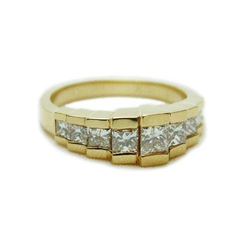 Medium Of Princess Cut Diamond Rings