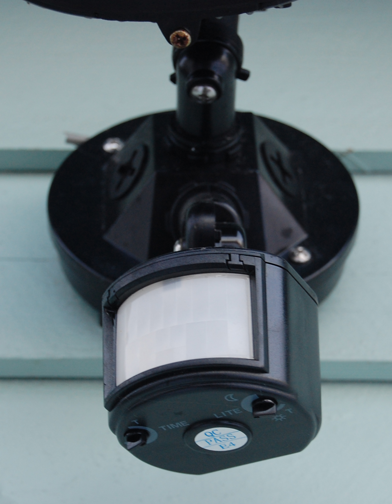Motion Detector Lights Outdoor Help My Motion Lights Won T Turn Off Security Lighting In Bethesda
