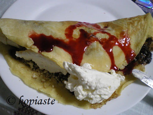 Crepe with cherries