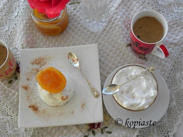 Greek yoghurt Tutti frutti
