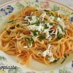 Γκουρμέ Σπαγγέττι με Λουκάνικα, Σάλτσα Πιπεριάς και Λευκό Τυρί Βουβαλινό