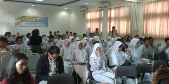 UIN Goes to SMAN 1 Tangsel