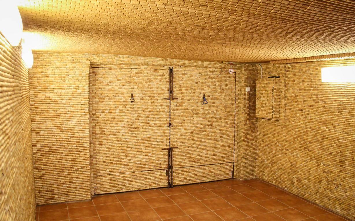 wand mit holz verkleiden heizraum decken und wandverkleidung dasgranithaus de. Black Bedroom Furniture Sets. Home Design Ideas