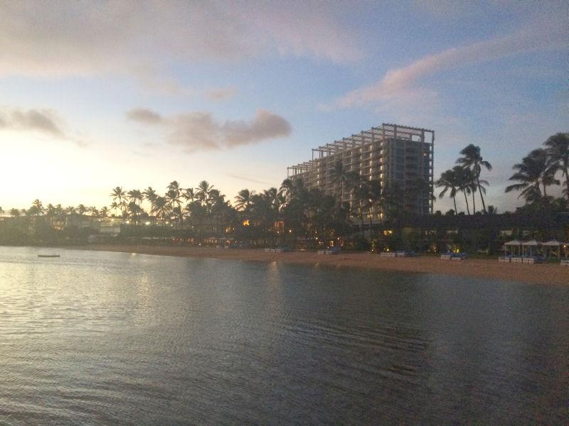 ザ カハラホテルのビーチとプール