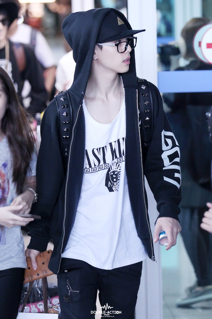 Jb Lighting T-shirt Got7 Mark's Airport Fashion - Kpop Korean Hair And Style