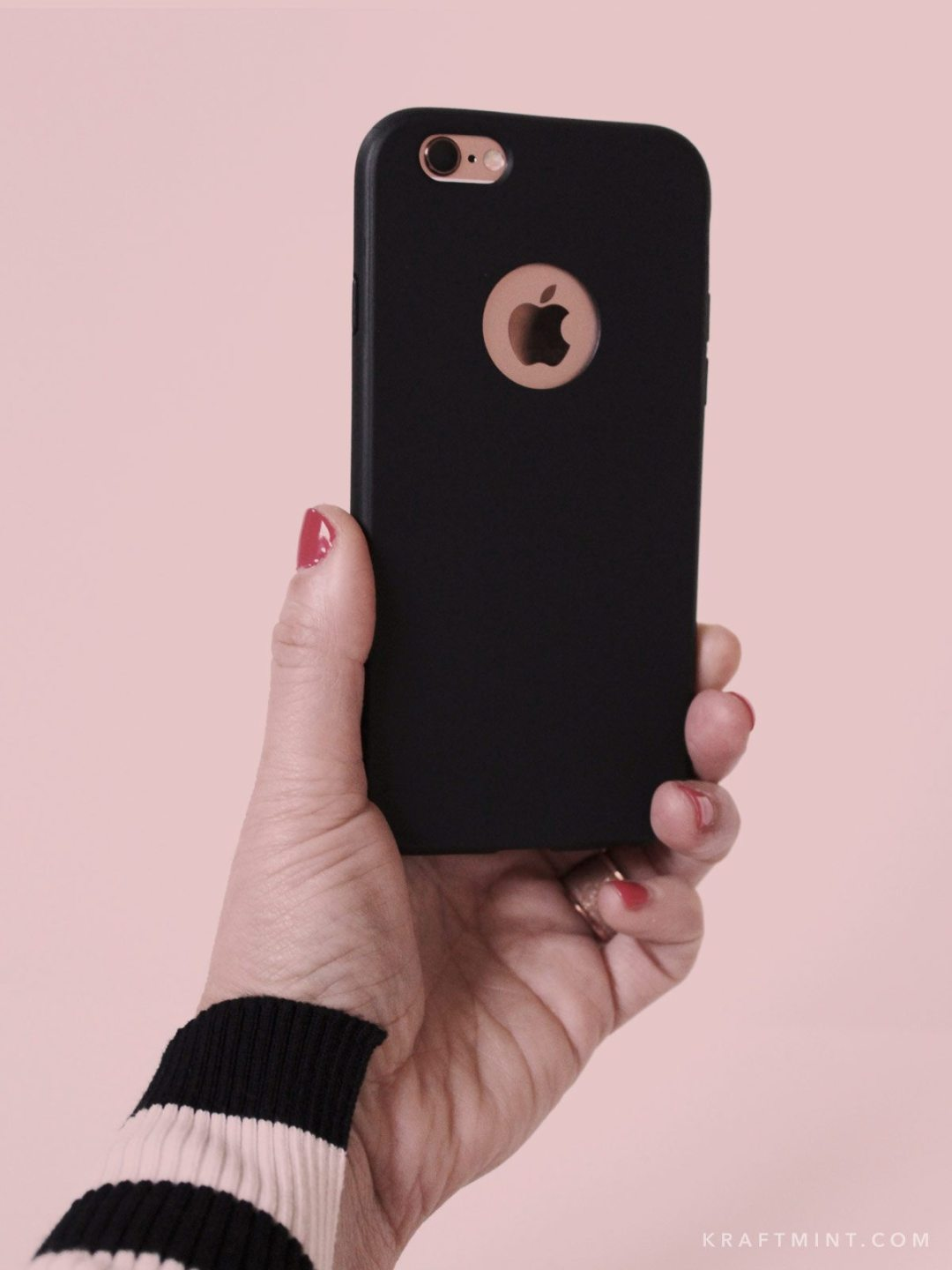 A Modern and Minimalistic iPhone Case