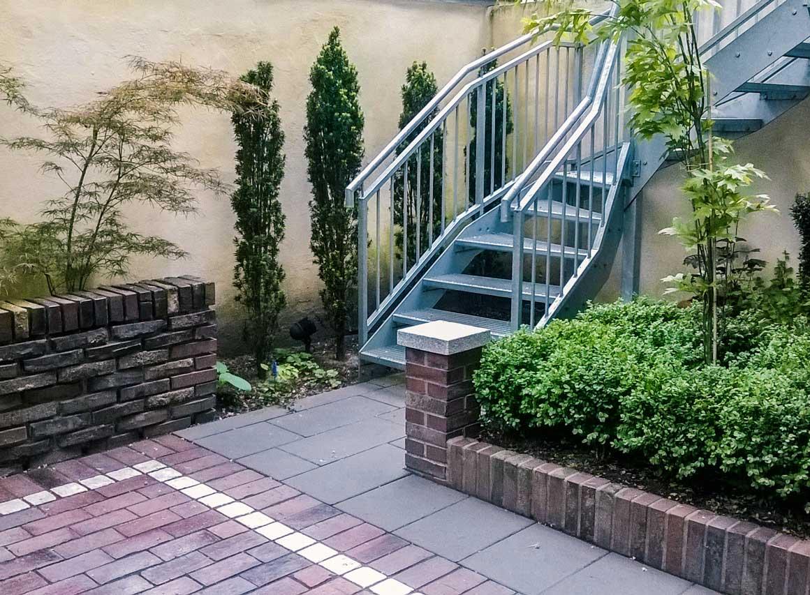 Mauer Zaun Kombination Betonieren Des Abschlusses Auf Der Mauer