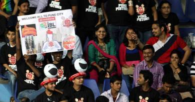 Pune Pistons Supporters