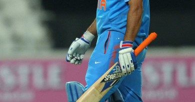 MS Dhoni walks back after being dismissed by Dale Steyn SA series 2013