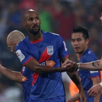 Marquee Man Anelka's First Goal Helps Mumbai Beat Kerala Blasters at Home