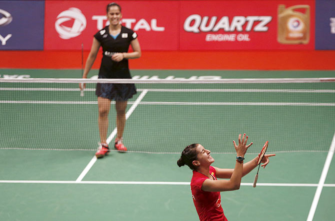 Sub-Par Saina Succumbs as Magnificient Marin Makes It Two-in-a-Row in World Badminton Championships