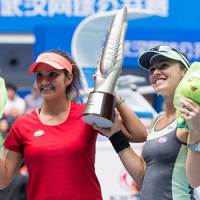 Sania Mirza & Martina Hingis Win Wuhan Open to Claim Their 7th Doubles Title of 2015
