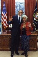 President Obama and Nichelle Nichols flash the Vulcan greeting.