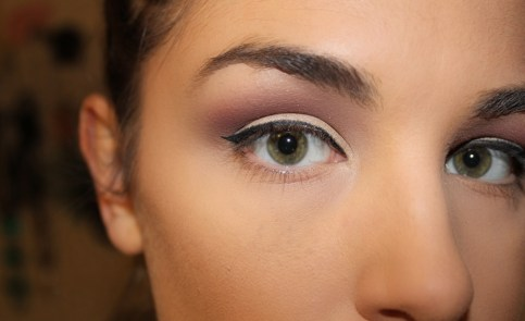 cat eye crease