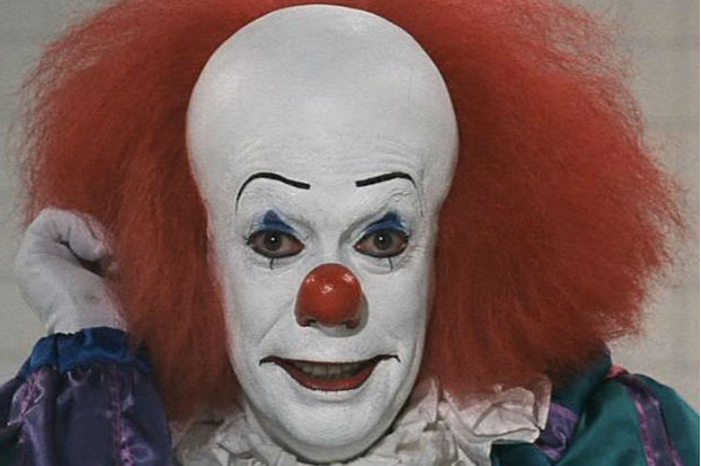New Pennywise The Clown Image Shows Full Costume Of