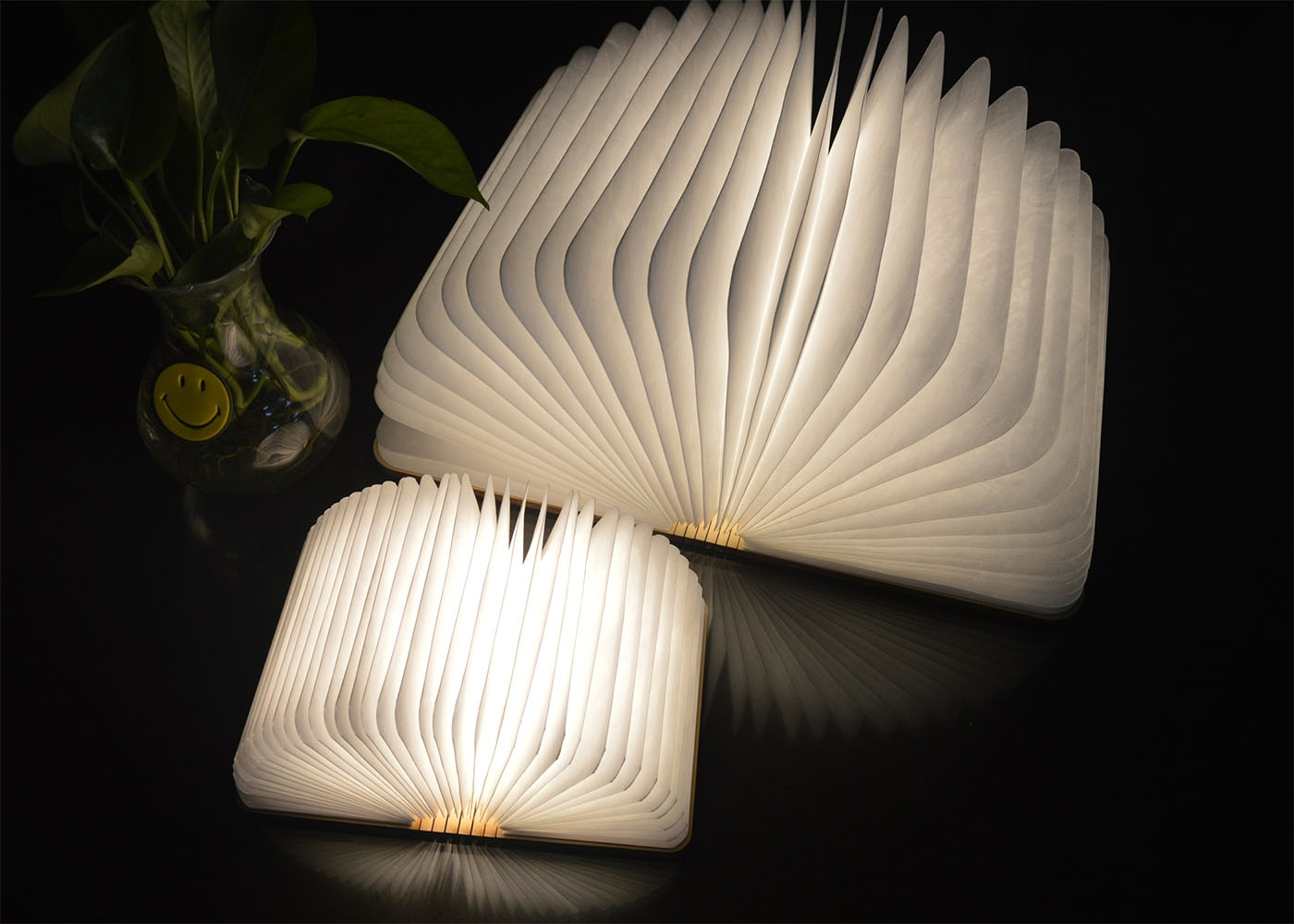 Lit Enfant Originale Lampe En Forme De Livre Design Book Light Par Gingko