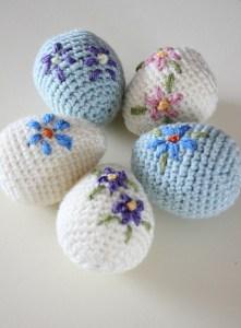 © zeens and Roger Amigurumi Easter Egg by Zeens and Roger (crochet, free)