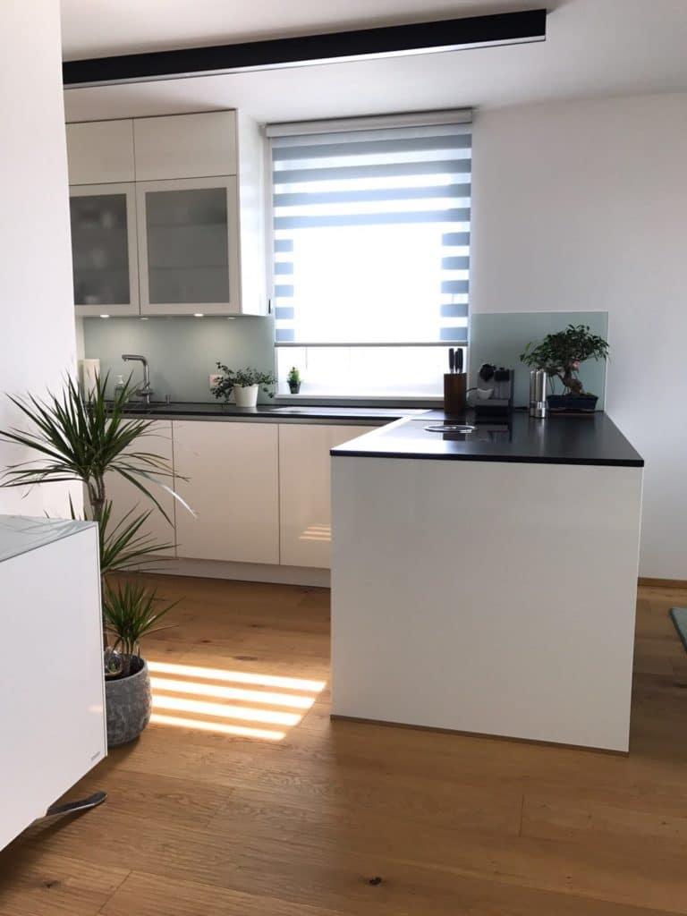 Küche Weiß Arbeitsplatte Schwarz | Arbeitsplatte Kuche Weiss ...