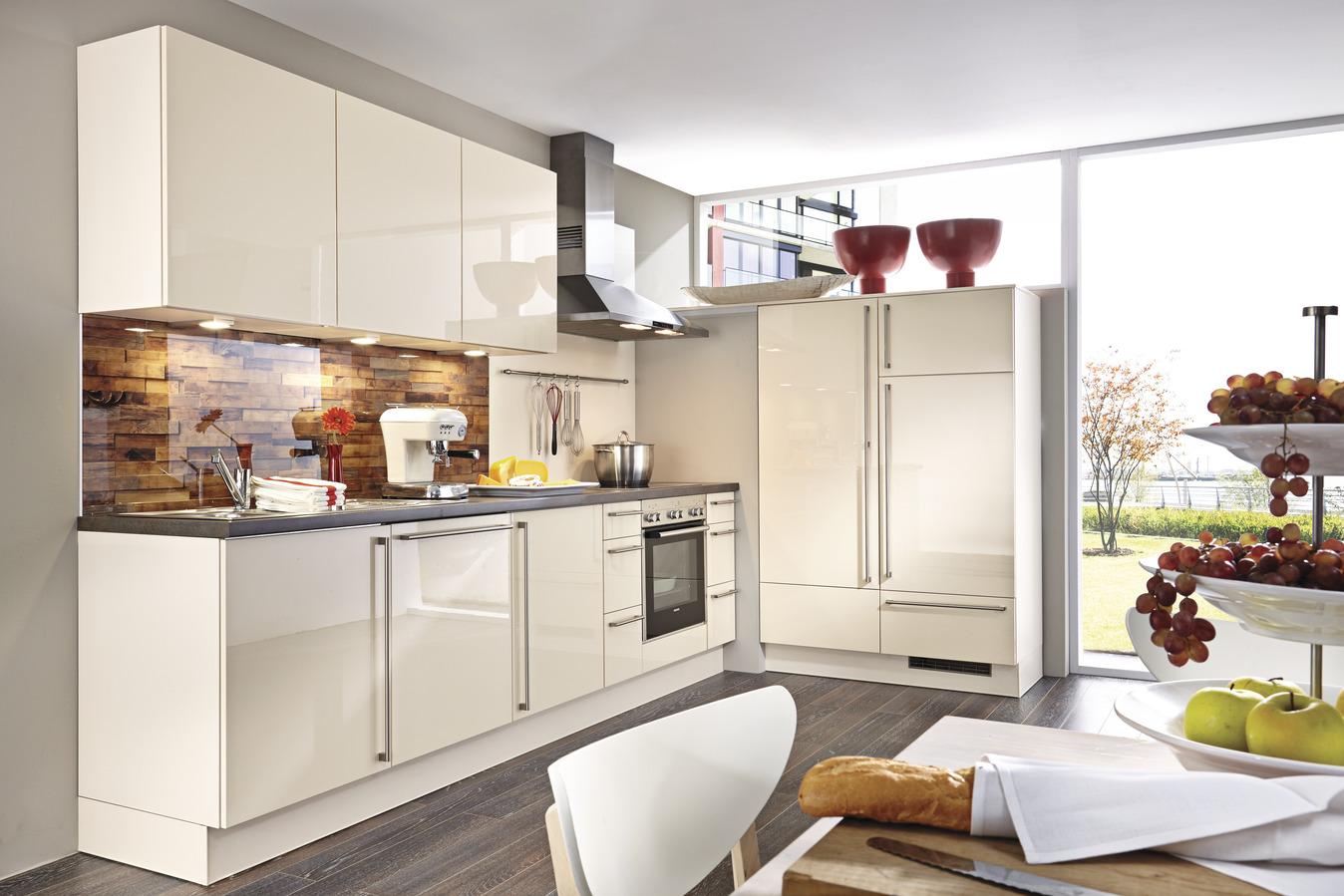 Kleine Küche Mit E Geräten