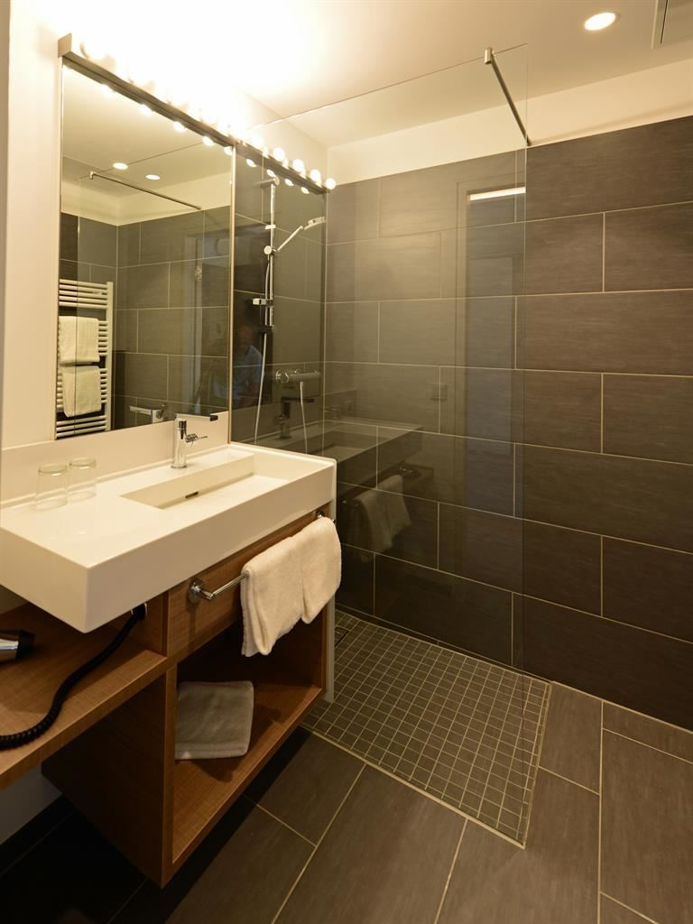 Badezimmer Acces Double Room Shower Toilet