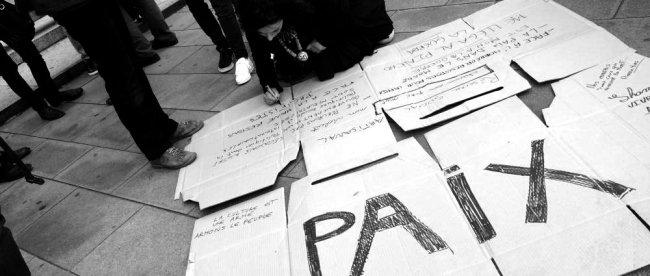 attaques_paris_rassemblement_solidaire_lorient