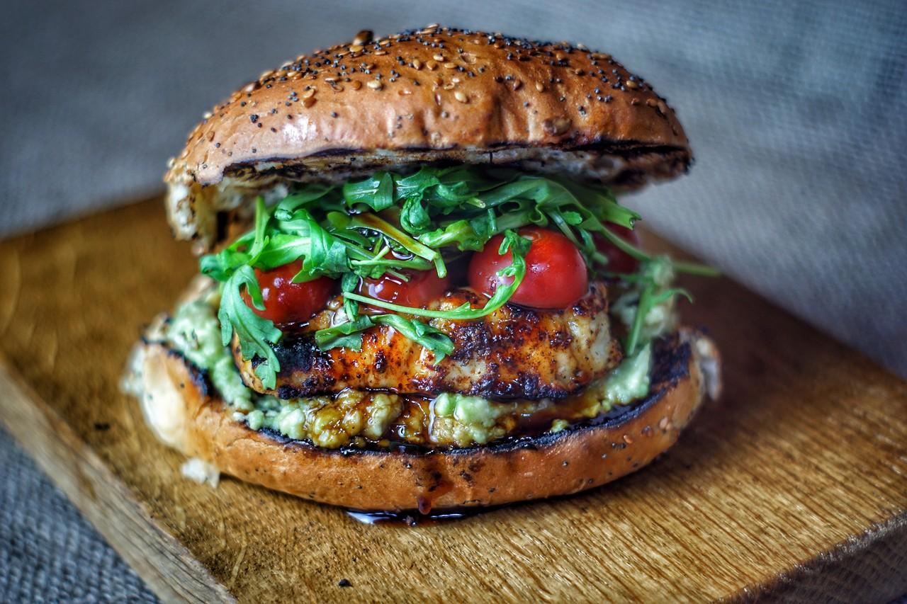 066/18: Grilled Halloumi Burger